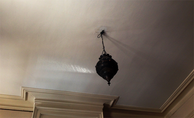 Plus c'est long plus c'est bon sauf quand tu regardes le plafond, image plafond