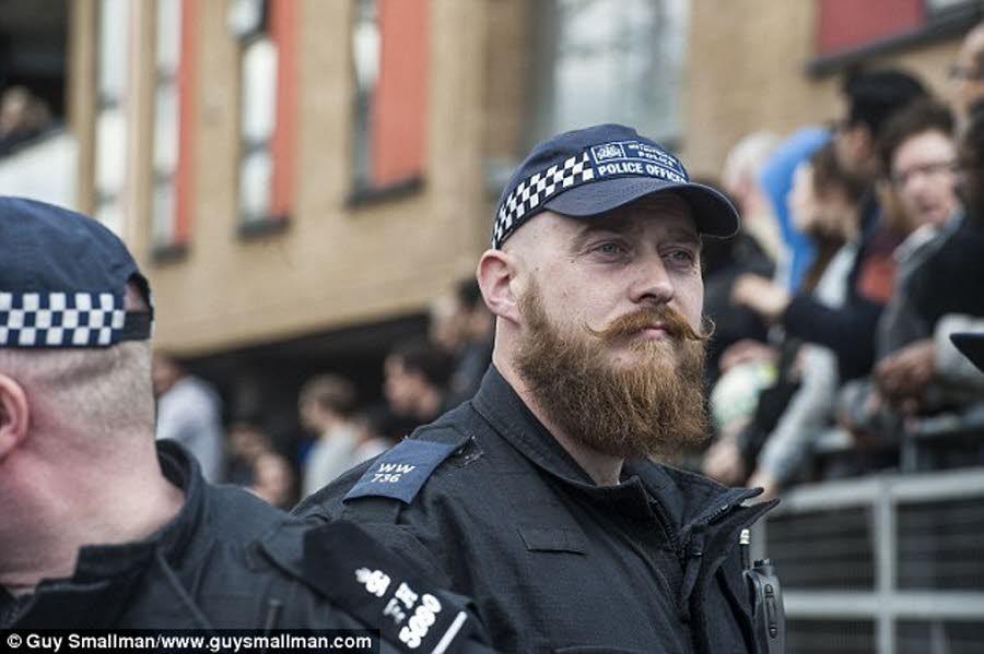 police francaise barbe et tatouage actualité